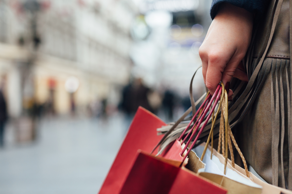 What Makes Consumers Lavishly Spend Once They Get Their Paycheck?
